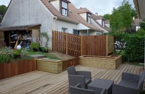 Terrasse Pin avec bacs et clostrats
